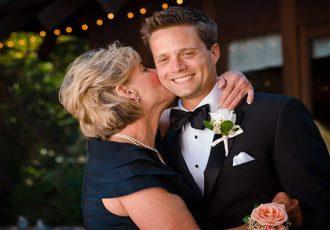Поздравления молодым на свадьбу от родителей жениха
